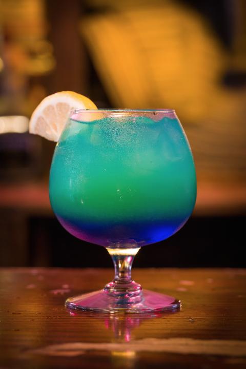 delish-halloween-cocktails-sweet-poison