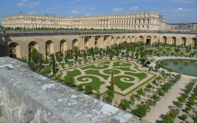 5-reasons-to-visit-france-this-fall